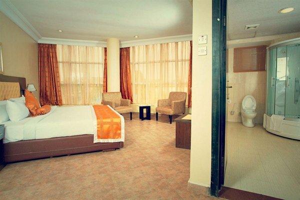 D Palms Airport Hotel, Mushin