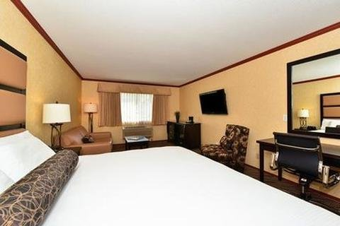 Prestige Inn Golden - фото 2