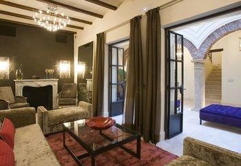 Boutique Hotel Claude Marbella - фото 4