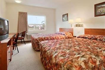 Super 8 Edmonton West