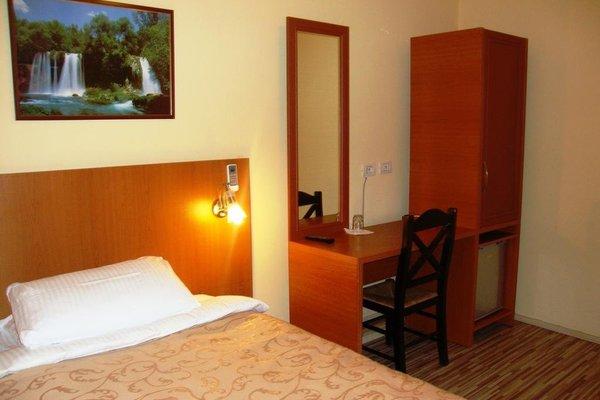 Hotel Nobel Tirana - фото 1