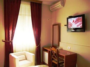Hotel Nobel Tirana - фото 9