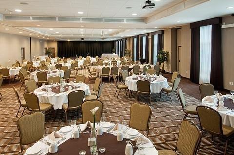 Best Western Dartmouth Hotel & Suites - фото 14