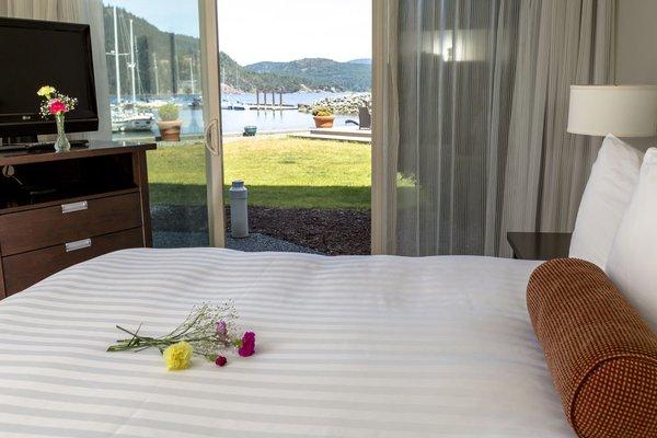 Oceanfront Suites at Cowichan Bay - фото 2