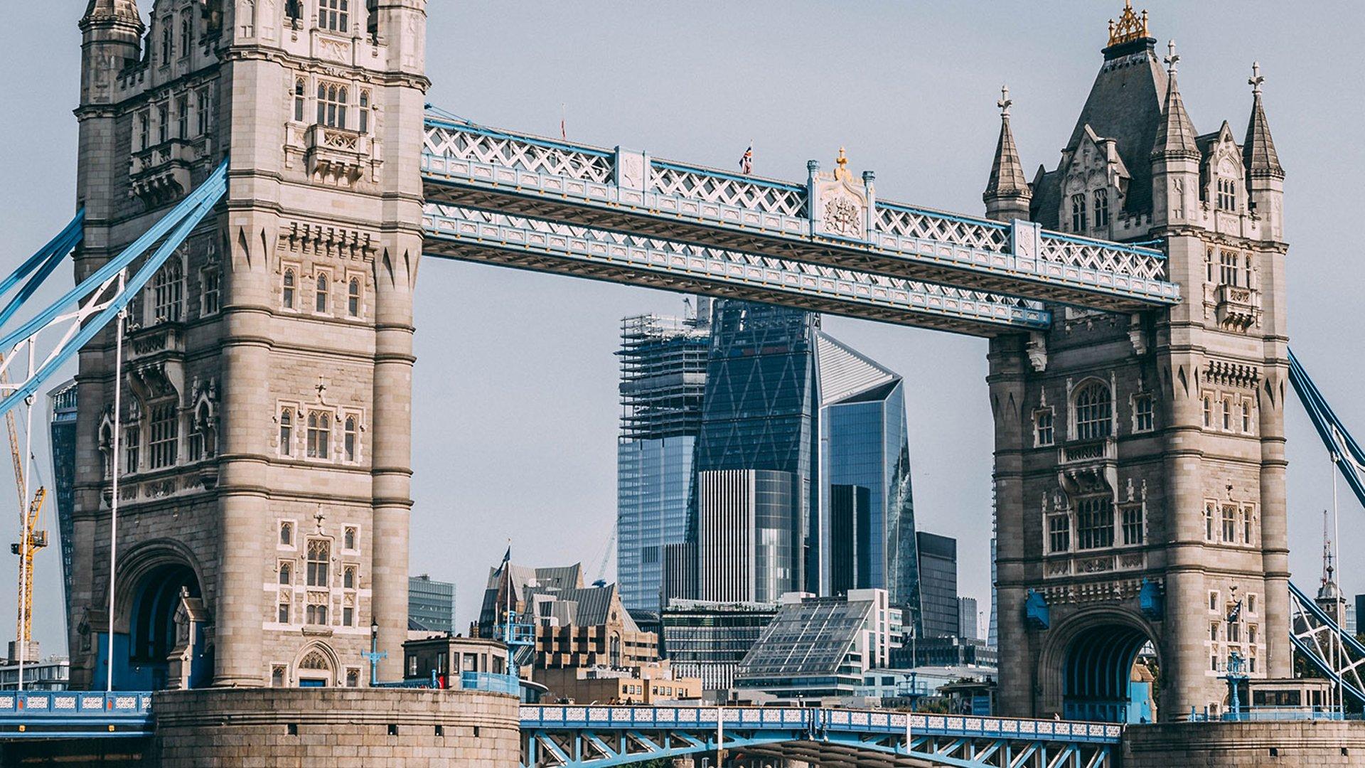 Как добраться из Лондона в Париж самостоятельно - на поезде самолте автобусе авто