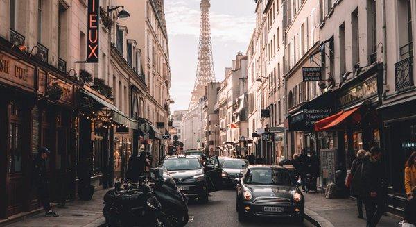 Купить дешевые авиабилеты в Париж