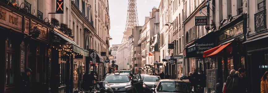 Купить авиабилеты Москва - Франция дешево и без комиссии. Цены на прямые рейсы