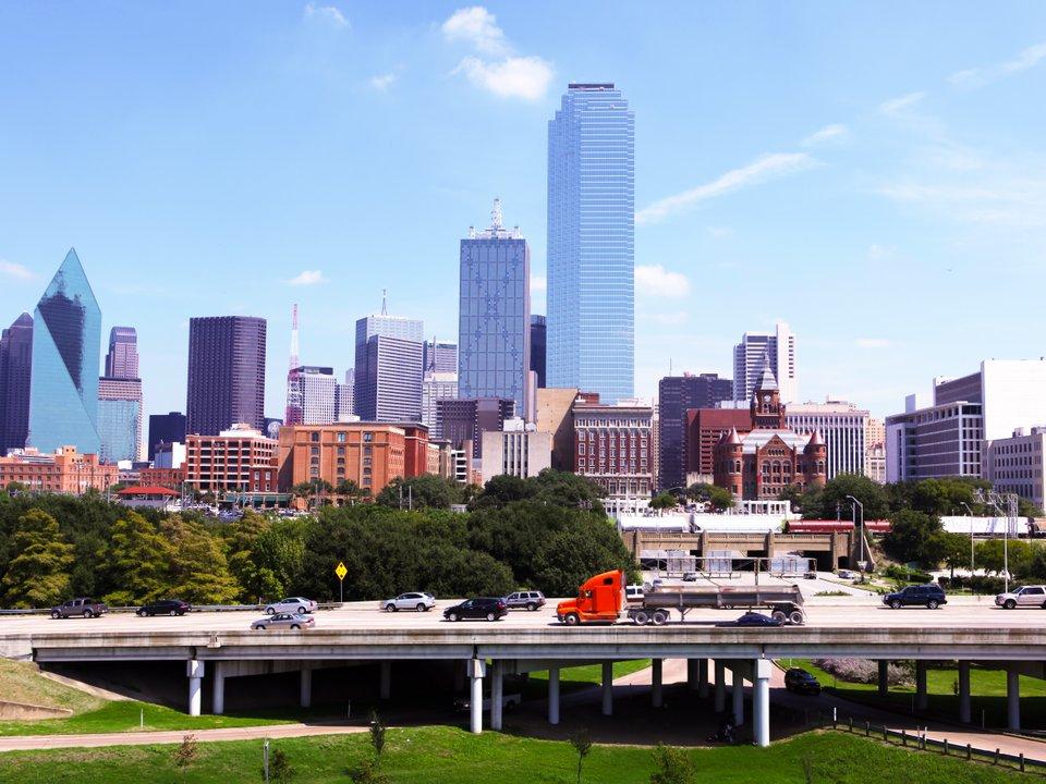 Lennot Dallasiin edullisemmin netistä.
