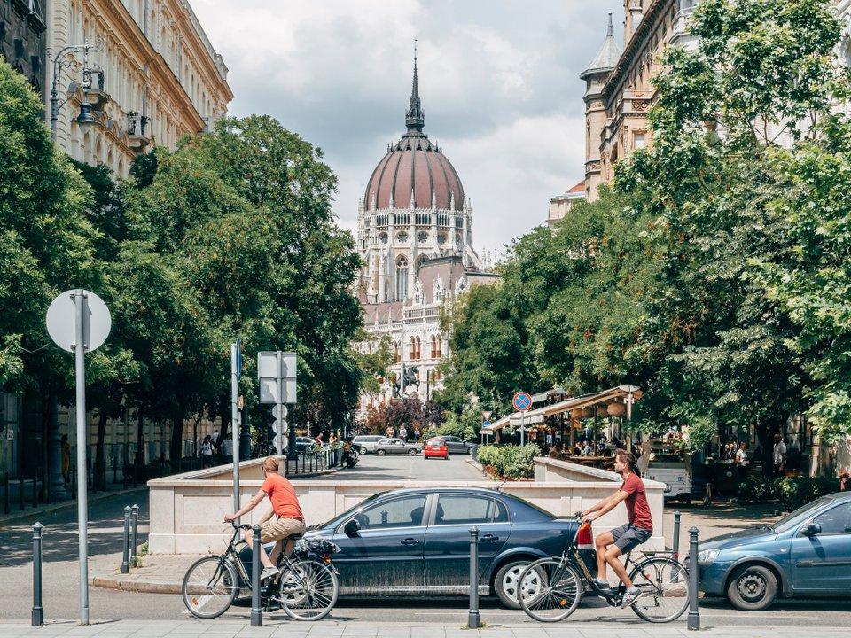 Дешевые авиабилеты Братск Будапешт