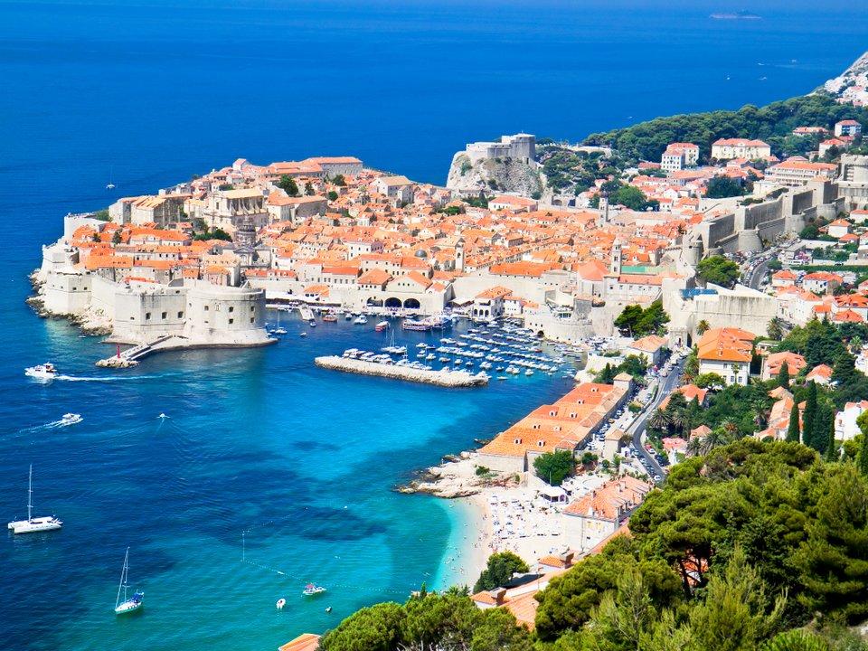 Lennot Dubrovnikiin edullisemmin netistä.