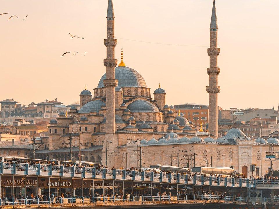 Lennot Istanbuliin edullisemmin netistä.