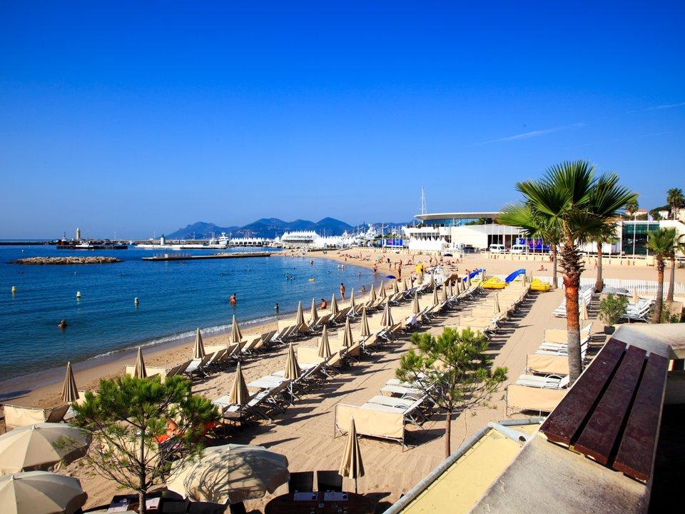 Lennot Cannesiin edullisemmin netistä.