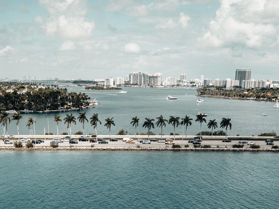 Lennot Miamiin edullisemmin netistä.