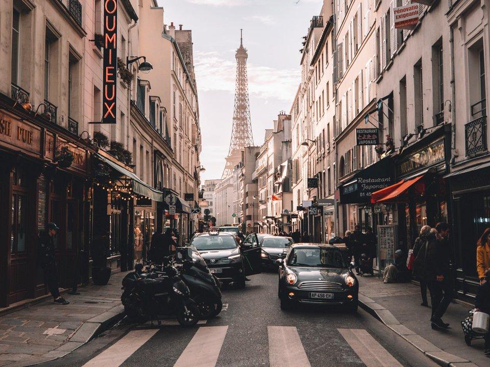 Lennot Pariisiin edullisemmin netistä.