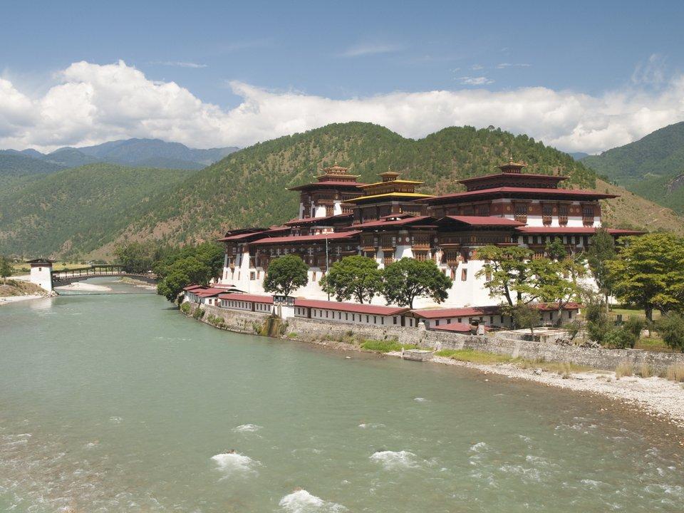 Дешевые авиабилеты Владивосток Бутан
