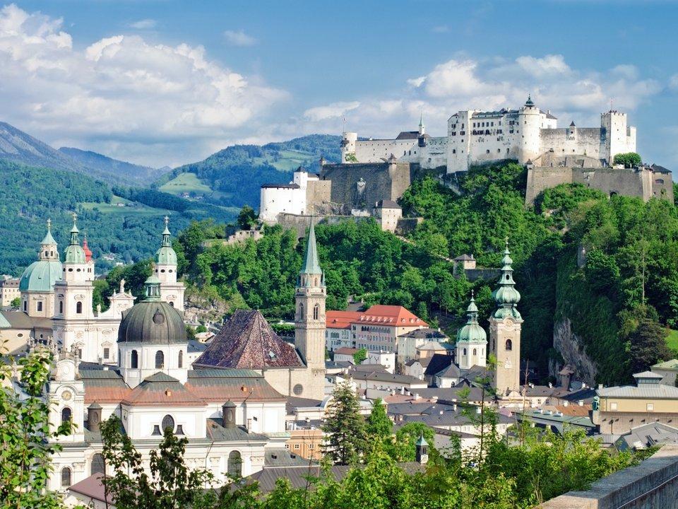 Lennot Salzburgiin edullisemmin netistä.
